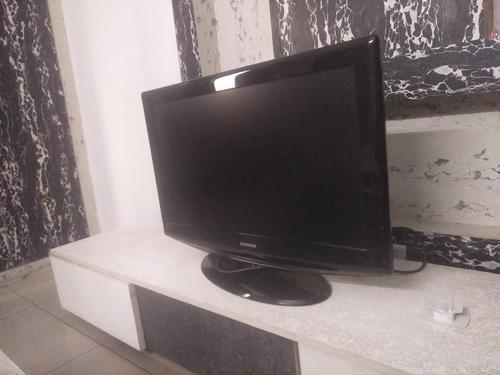 Samsung 32 inches LCD TV with stand 0