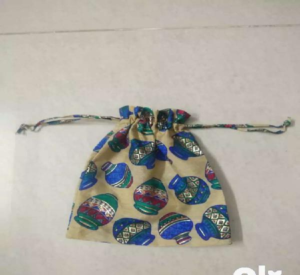 Pothli thaila for gift packing . Sale 15/-rs each 0