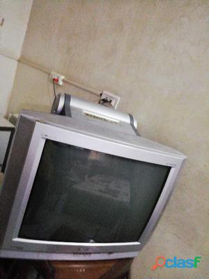 Tv with boofer onida tv ky inside