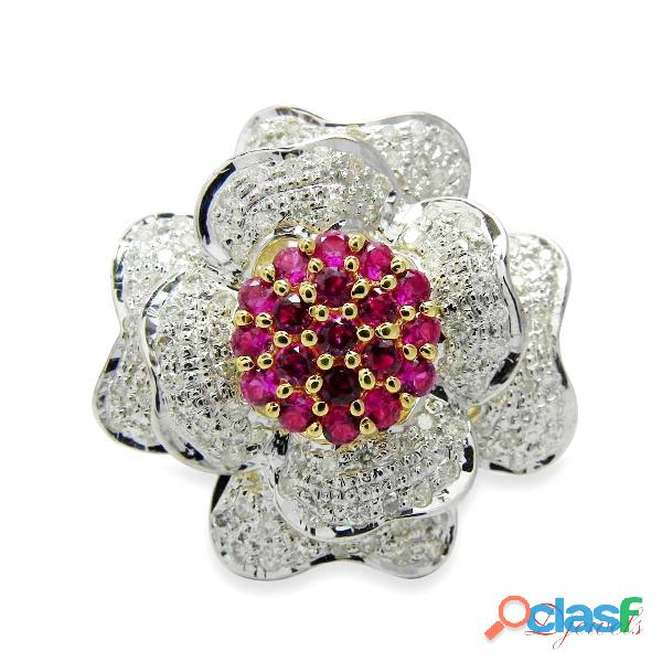 Diamond Ladies Ring in Flower Shape