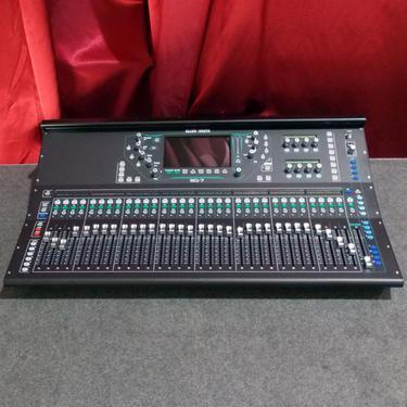 Allen heath sq7 digital mixing console