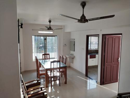 2bhk 1200 sqft semi furnished flat for rent at ambalamukku