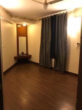3200 sft 4 bhk duplex flat semi furni sale in golden enclave