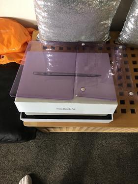 Apple MacBook air Retina Laptop 154 26ghz i7 16GB RAM