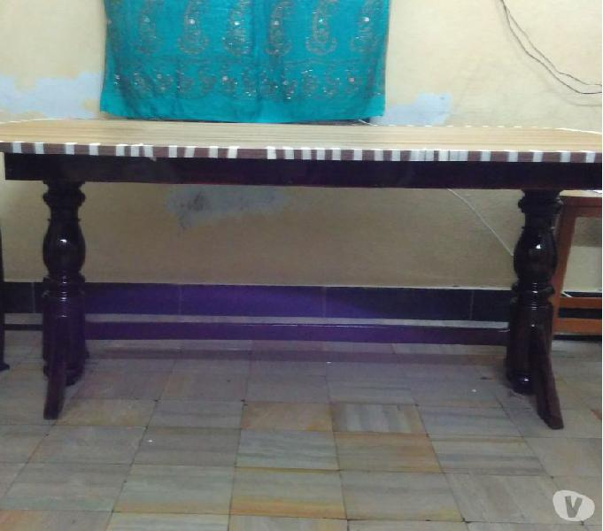 Dining table 8 seater.