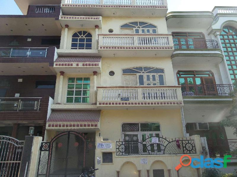 5 Bed Semi Furnished Villa/House For Sale In Alpha 1 C422, Greater Noida, UP