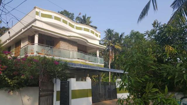 Poojappura attractive house in mudavanmughal very good res