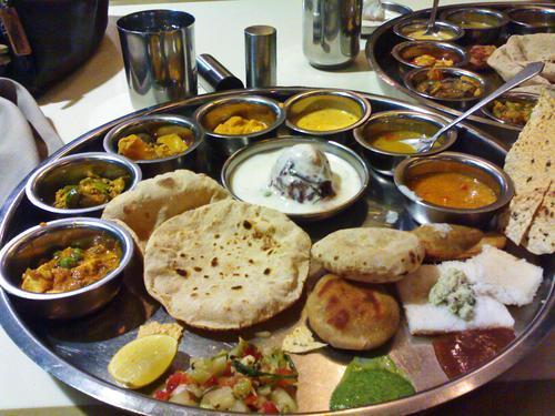 Catring service avilebal all over mumbai.