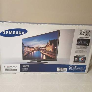 New samsung 55inch nu7100 tv box only