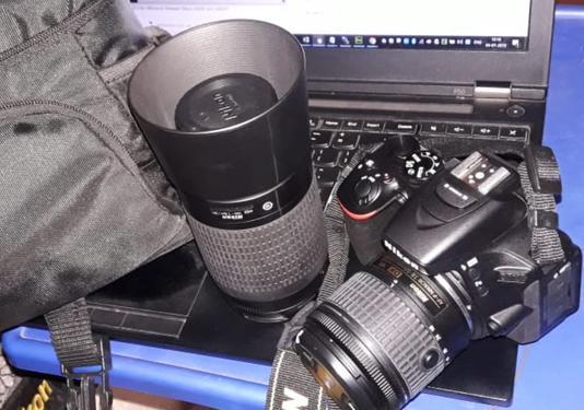 Nikond5600 dslr camera for sale 33k