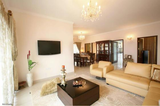 Furnished 3bhk +servant room flat sale salarpuri luxuria apt