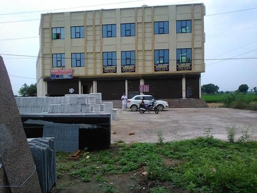 On rent building for hotel near town heart restaurant