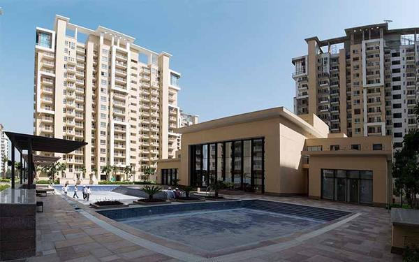 Emaar palm gardens luxury ready to move apartments bang