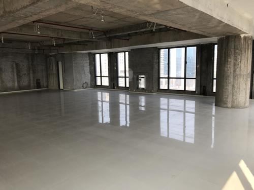 Commercial showroom for lease in crystal paradise andheri w