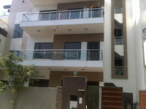 2bhk in Sector 5 Gurgaon near Udyog Vihar 9971536944