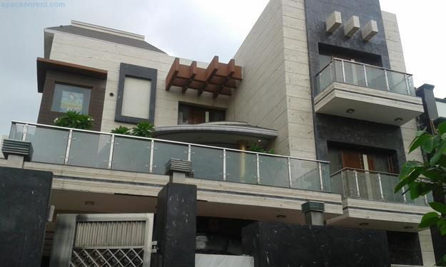 2bhk in Sector 5 Gurgaon near sector18 9971536944