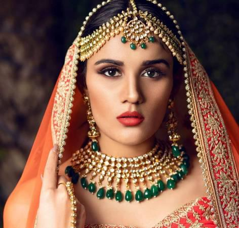 Best Bridal shop in Delhi, Bridal jewellery shop Book now. -