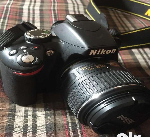 Nikon d3200 in mint condition with 18-55 lens.