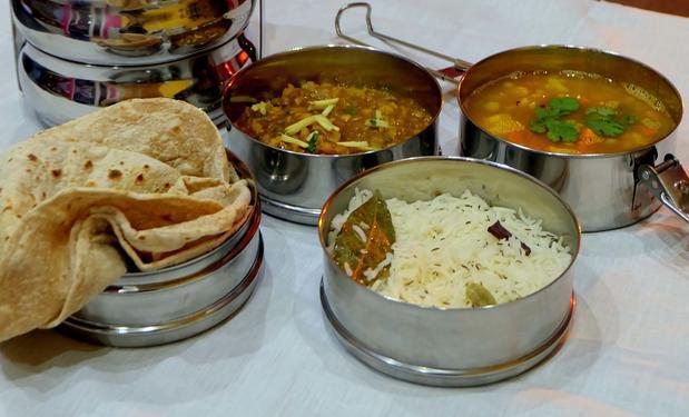 Vegetarian homemade lunch & dinner tiffins in mumbai central