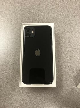 Apple iphone 11 black 128 gb 4 gb ram