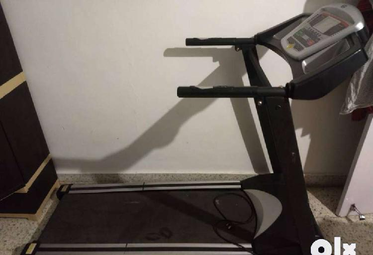 Topro motorized treadmill : in working condition