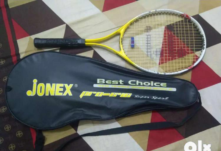 Jonex pro 646 lawn tennis bat/racket