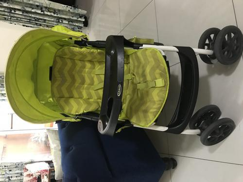 Graco gently used pram for immediate sale