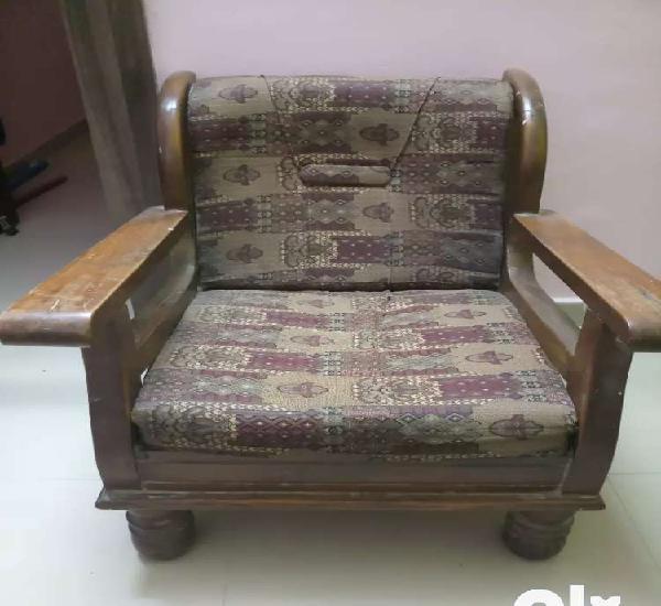Wooden sofa set 5 seater