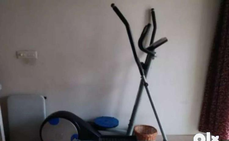 Elliptical cross trainer gently used
