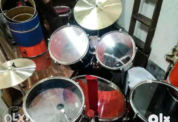 Full set 1st hand drums kit in