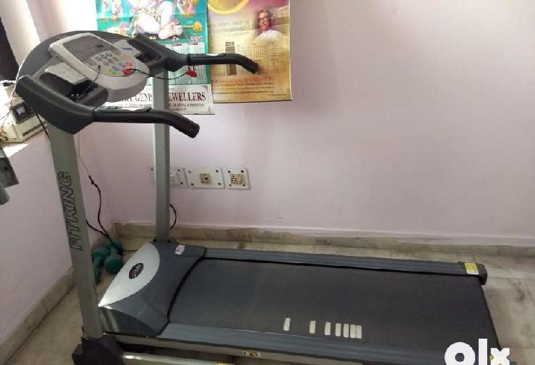 4 years old fitking motorised treadmill