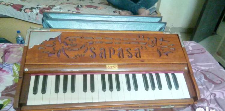 Double reed harmonium