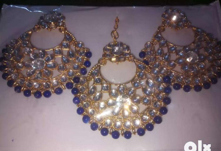 New earings with mang teeka stylish an elegant