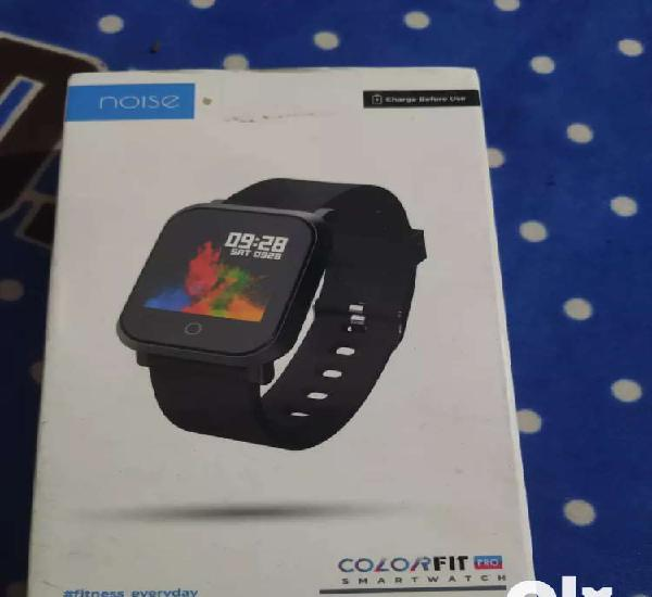 Noise colorfit pro smartwatch only 1 week used