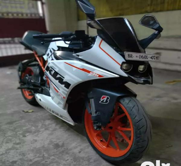 Ktm rc 390 .less driven,currently service .with record