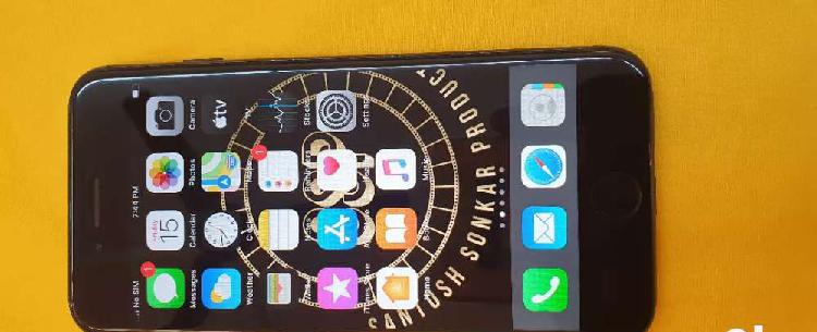 Iphone 7 128gb matt black in good condition with box and