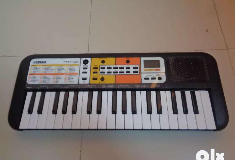Yamaha pss f30 mini keyboard for kids
