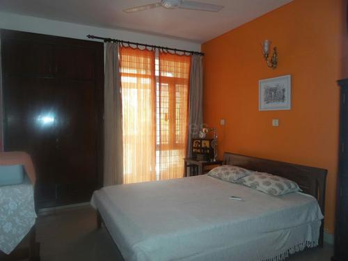 2bhk independent house/villa for rent sector-50 noida