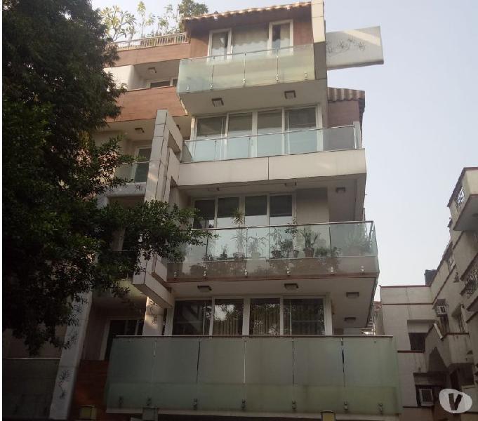 Independents 4 bhk floor sale in vasant vihar