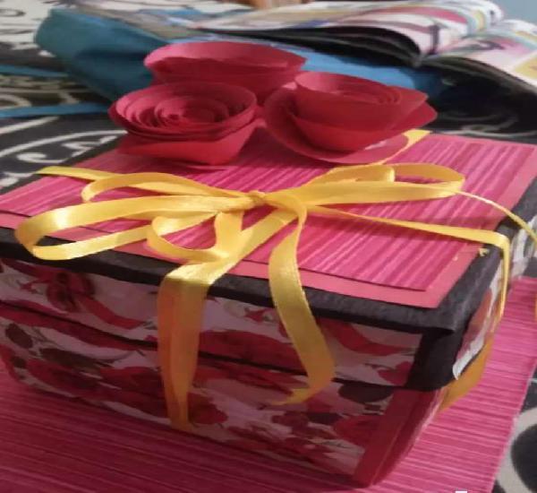 Ecplosion card box