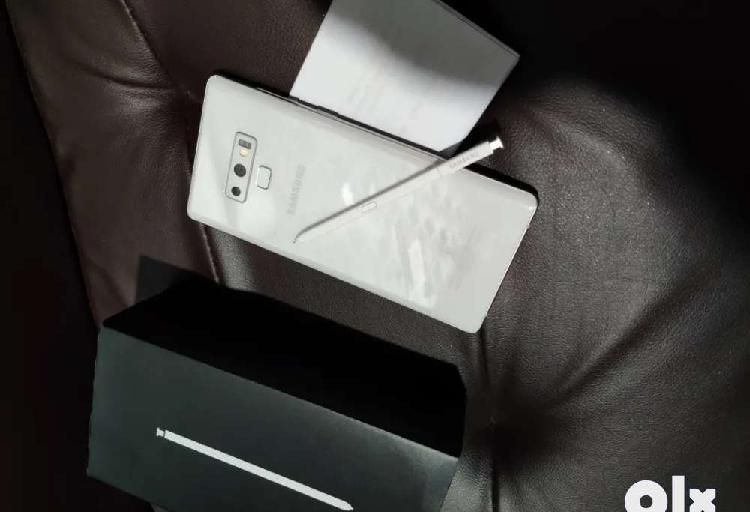 Samsung galaxy note 9 white under 5 months warranty in