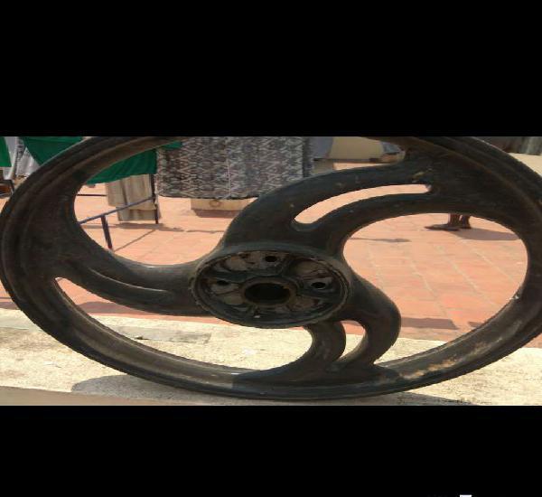 Bullet alloy wheel