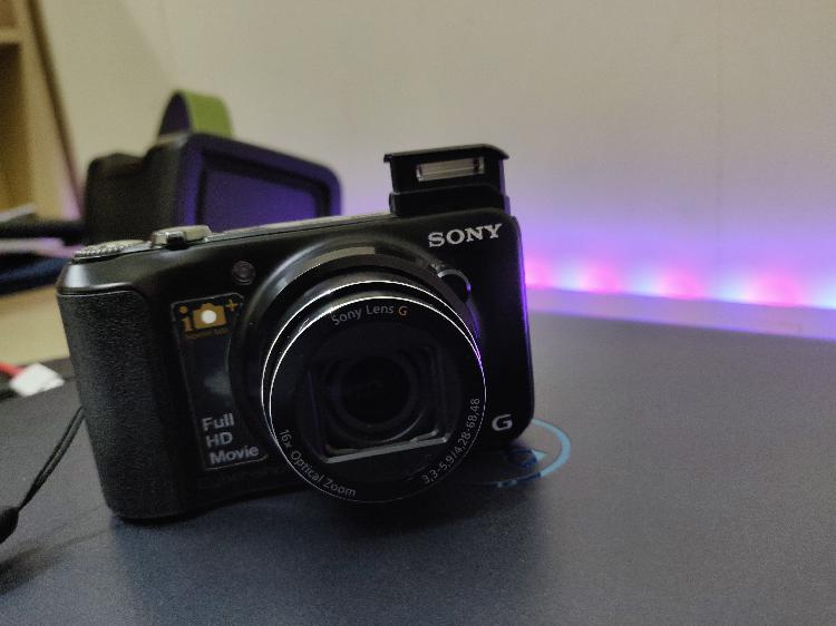 Sony point and shoot camera dsc hx10v