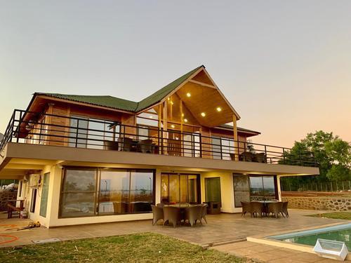 Villa in igatpuri with swimming pool bungalows in igatpuri