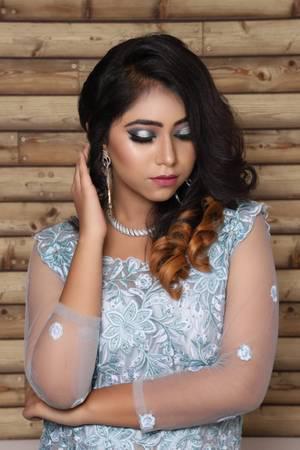 Makeup Artist - beauty services