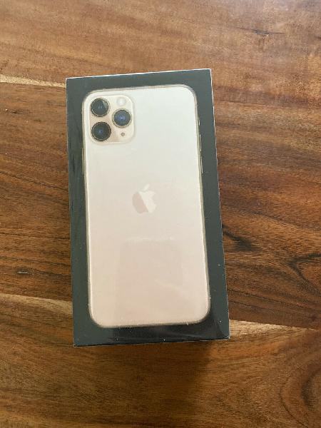 Apple iphone 11 pro max come with warranty