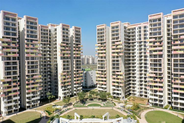 Park view sanskruti ready to move3bhk flats by bestech group