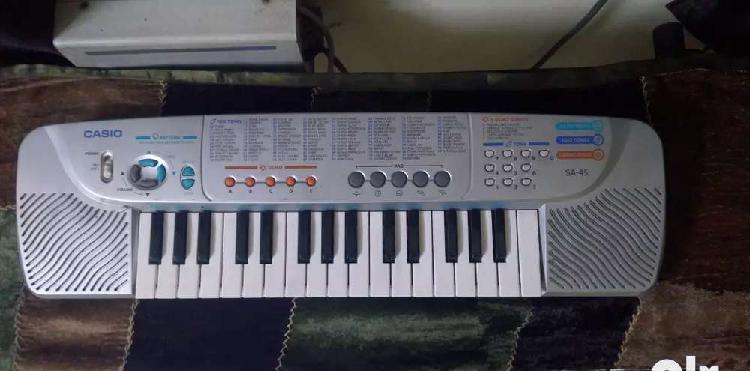 Casio keyboard sa-45 (silver edition) for kids
