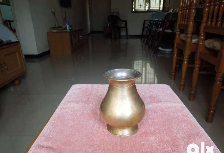 Antique bronze lotta and chombu
