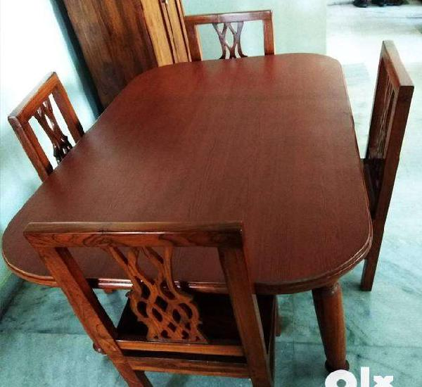 Dinning table sale (4 seater)